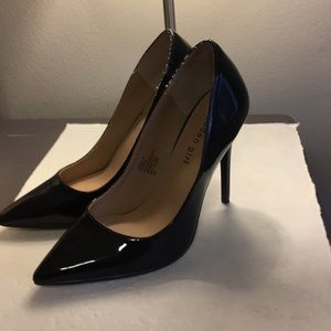 Madden girl patten leather pumps